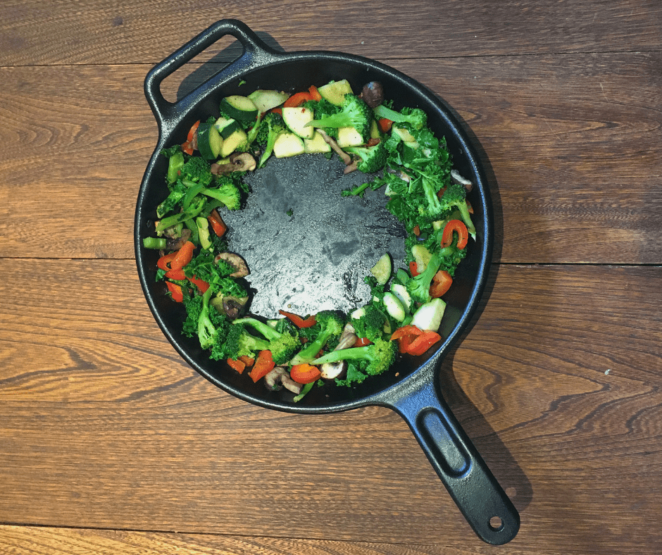Cast Iron pan essential for your minimalist kitchen list