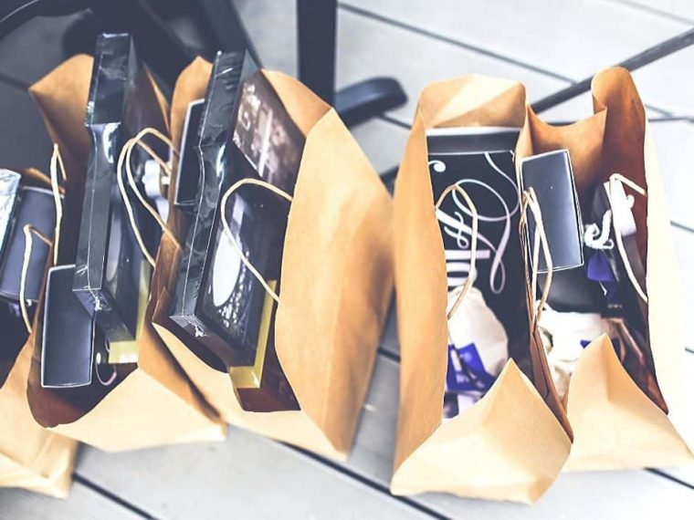 Minimalist Black Friday Shopping Bags