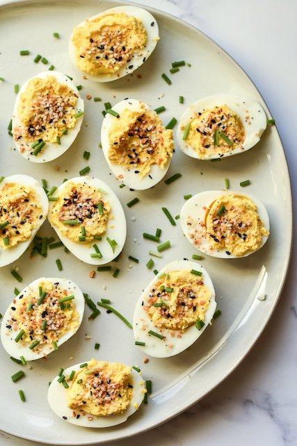 Everything Bagel Devilled eggs