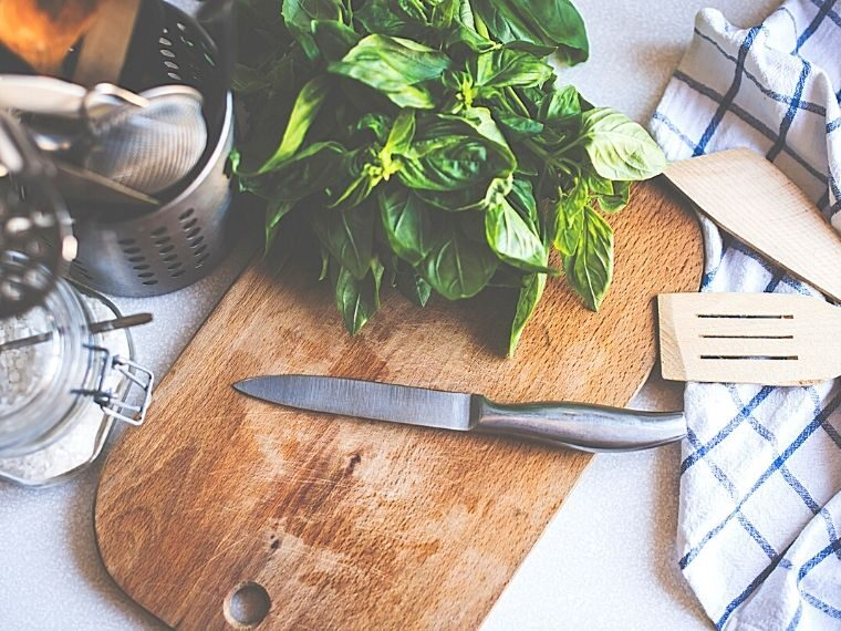 Kitchen Essentials List of tools and utensils